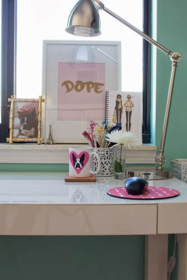 how to decorate a small office