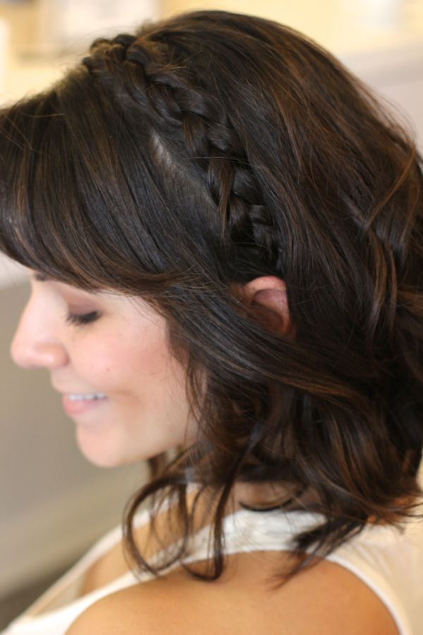 Braided Headband Hairstyle, braid ideas for short hair, bob length braid ideas