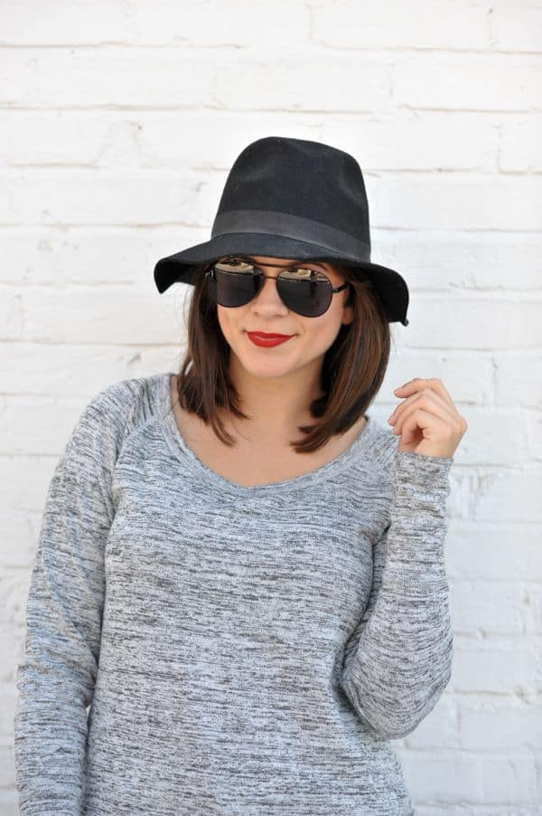 Grey sweater and black fedora, fall outfit by @mystylevita