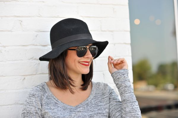 Grey and black outfit, black fedora and black aviators styled by @mystylevita
