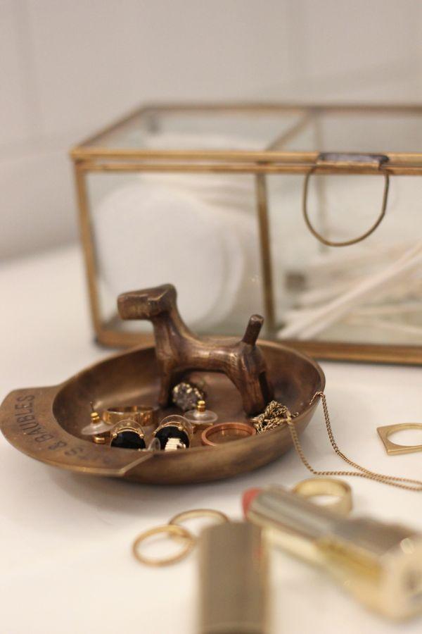 brass bathroom accessories,