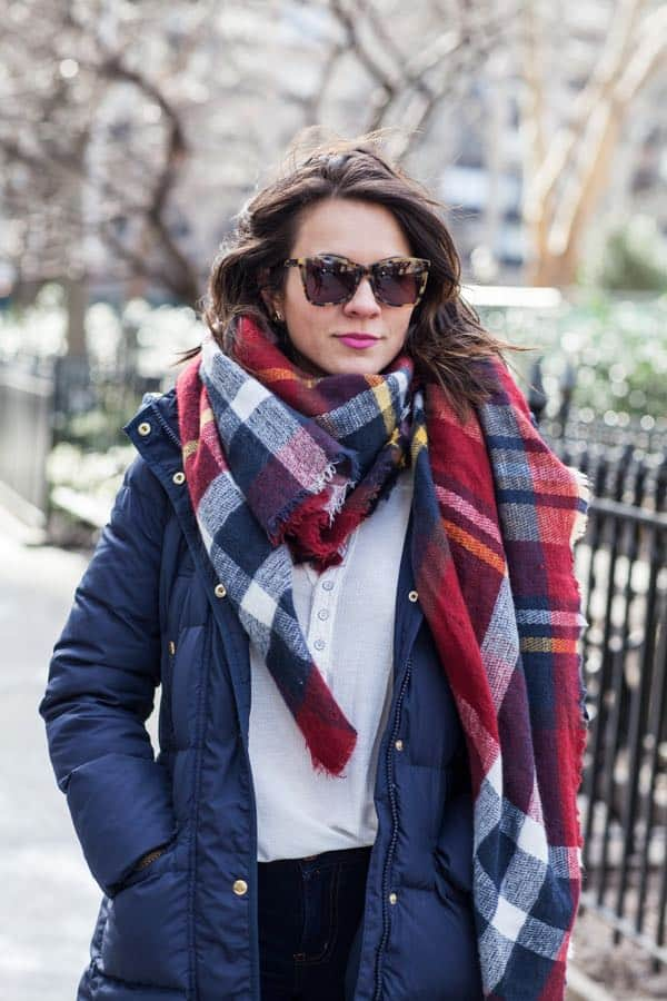 how to make a puffy coat cute, blanket scarf, hunter boots via @mystylevita
