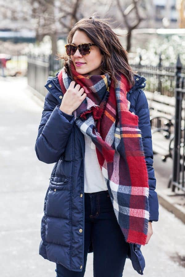 how to make a puffy coat cute, blanket scarf, hunter boots via @mystylevita