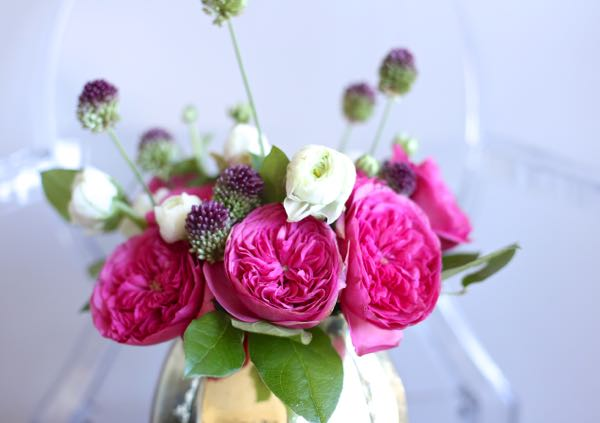 rose and ranunculus arrangement via @mystylevita 3