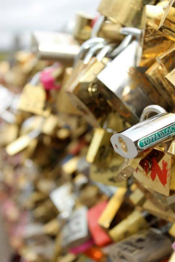 Paris locks of love bridge via @mystylevita