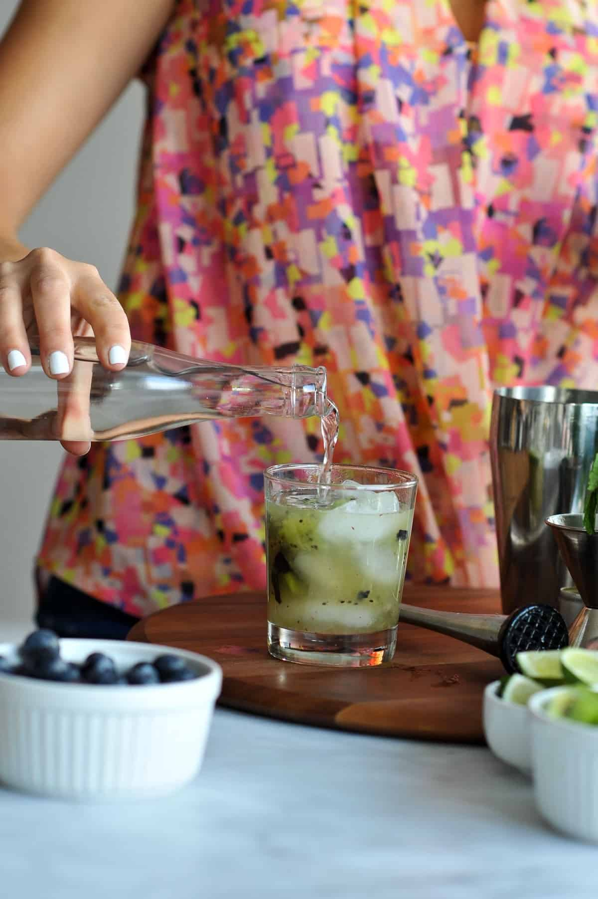 kiwi blueberry mojito recipe via @mystylevita - 10