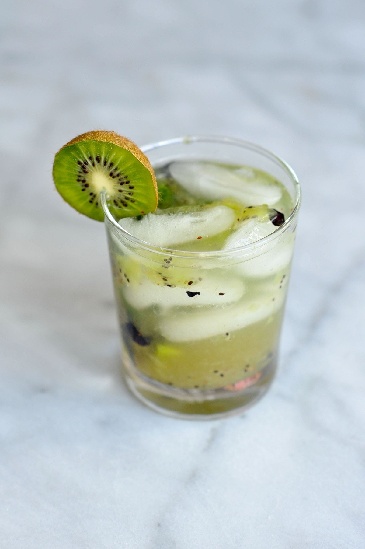 kiwi blueberry mojito recipe via @mystylevita - 14