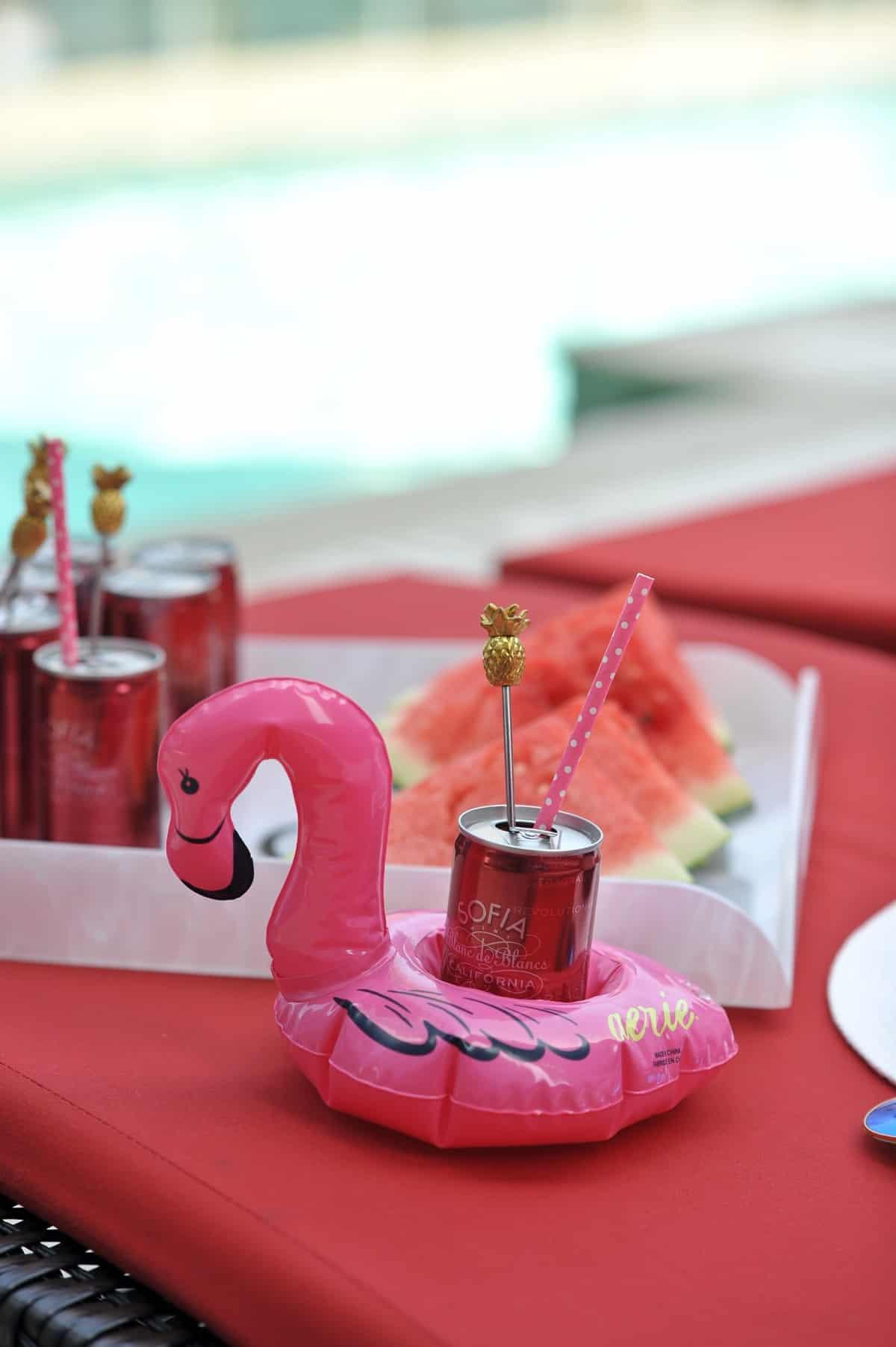 adult pool party ideas, swan pool float, flamingo inflatable drink holder via @mystylevita - 9