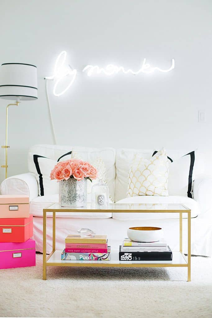 Neon lights for the home for Neon bedroom decor