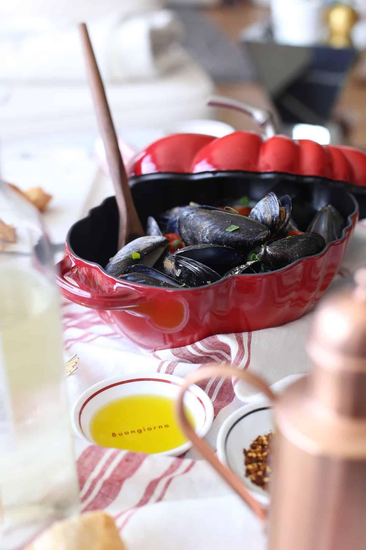 how to make mussels at home, how to clean your mussels