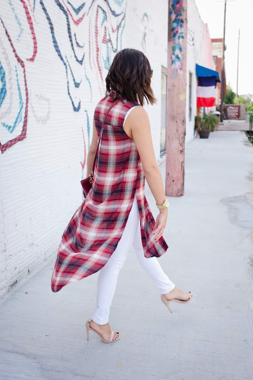 Plaid long shirt and white jeans for fall via @mystylevita [My Style Vita] - 10