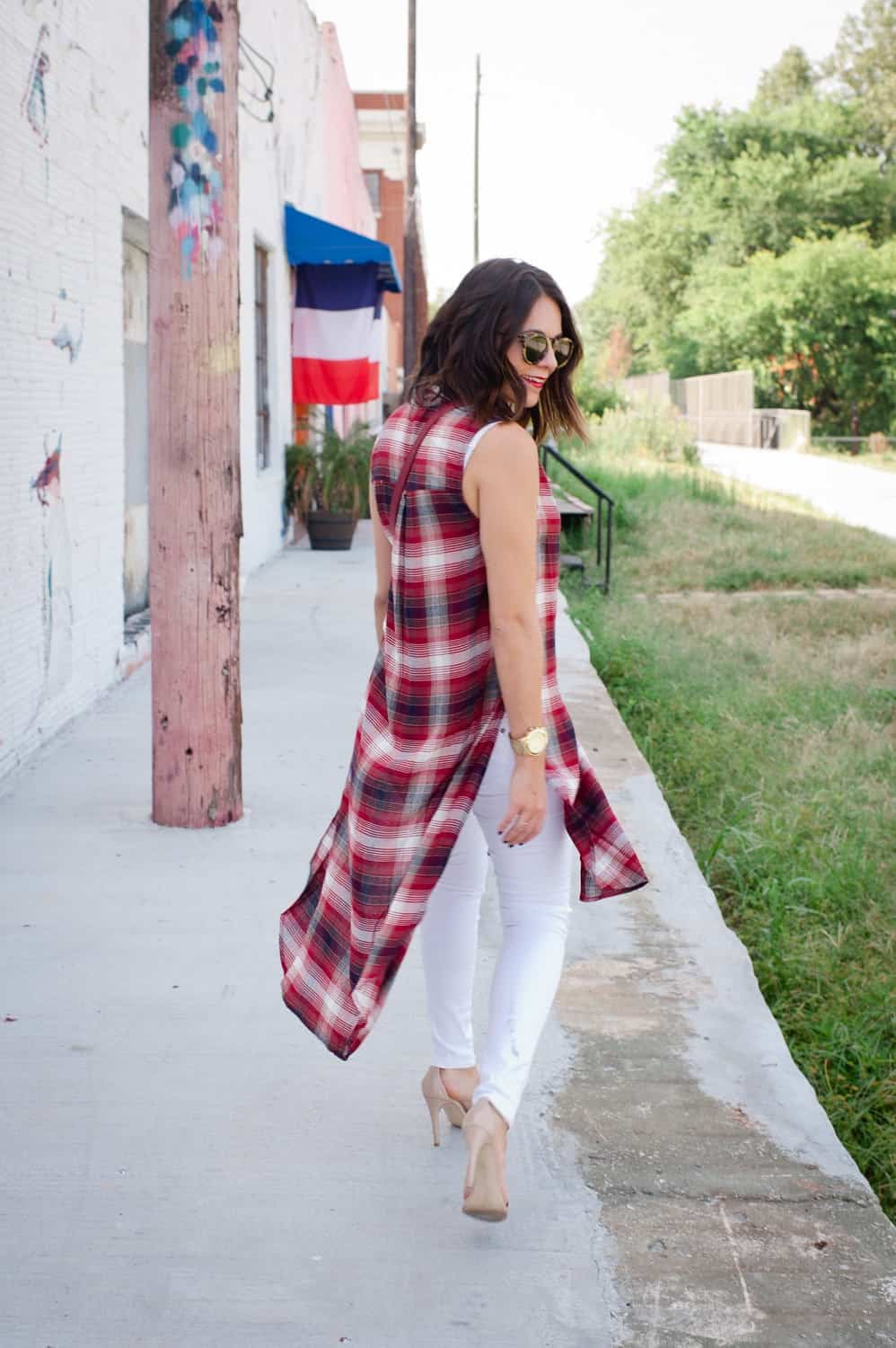 Plaid long shirt and white jeans for fall via @mystylevita [My Style Vita] - 12