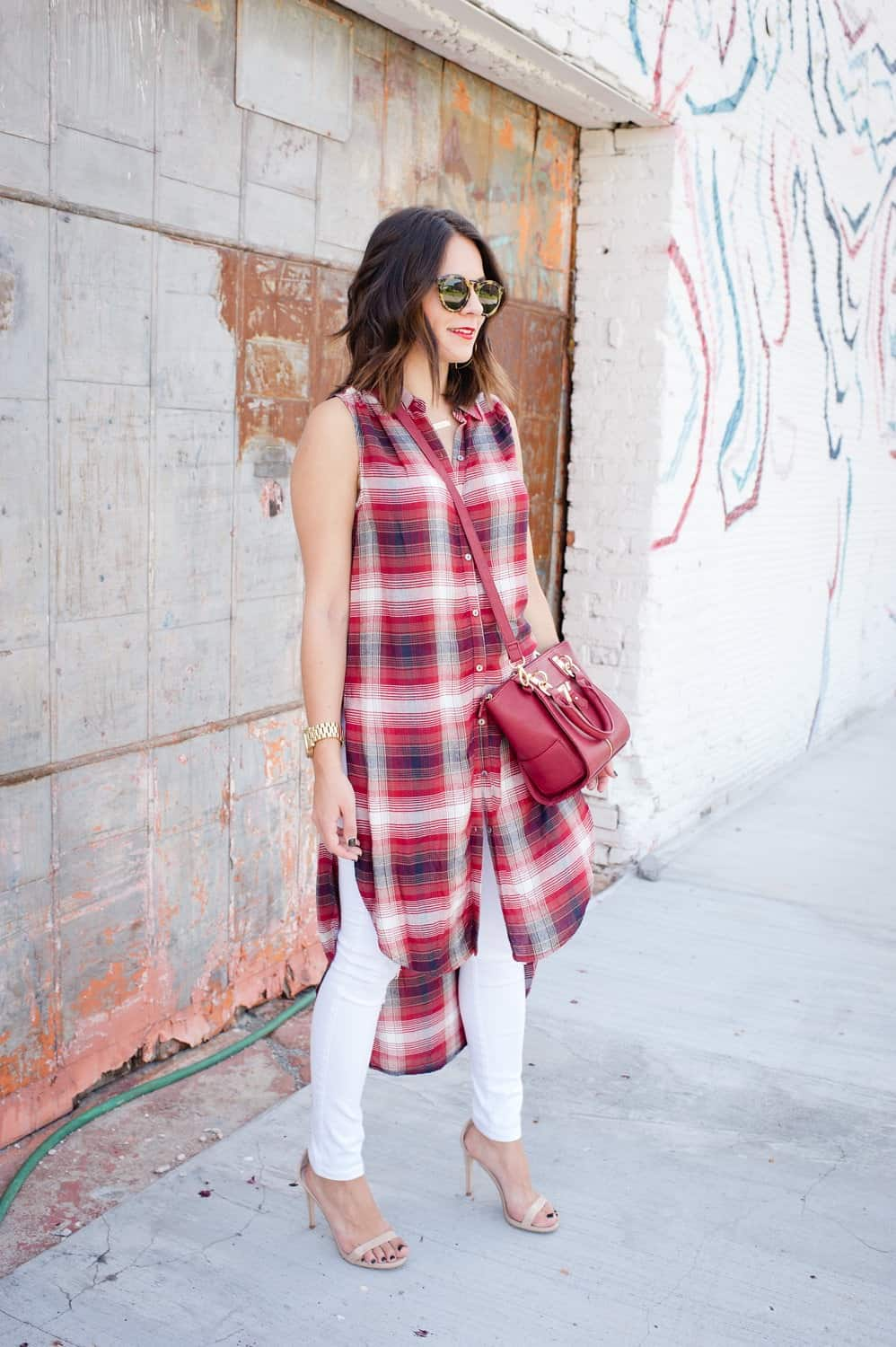 Plaid long shirt and white jeans for fall via @mystylevita [My Style Vita] - 3
