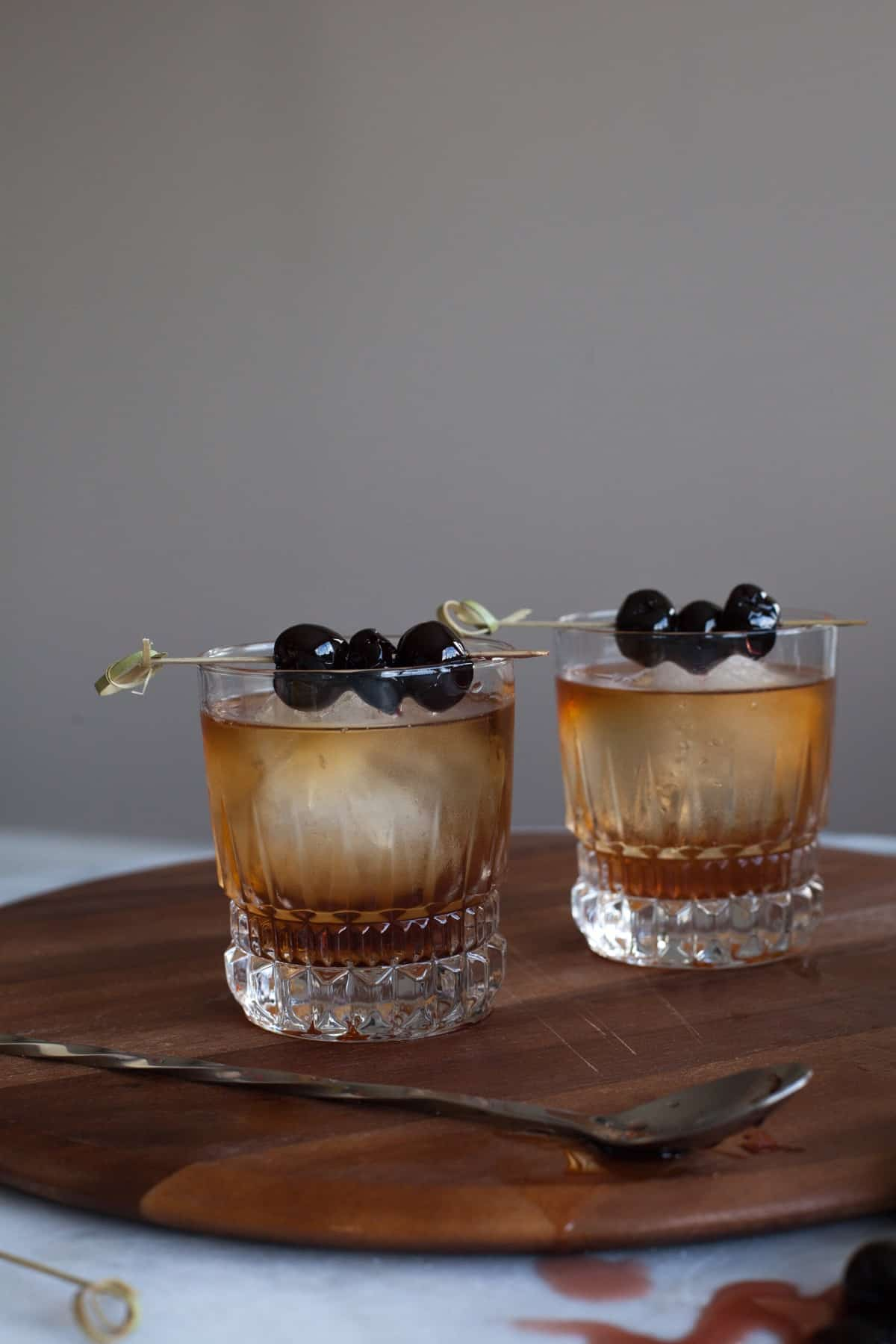 Classic Manhattan cocktail recipe with bourbon soaked cherries via <a href=