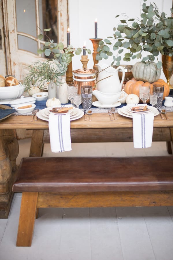 october themed tablescape - fall tablescape ideas - My Style Vita @mystylevita