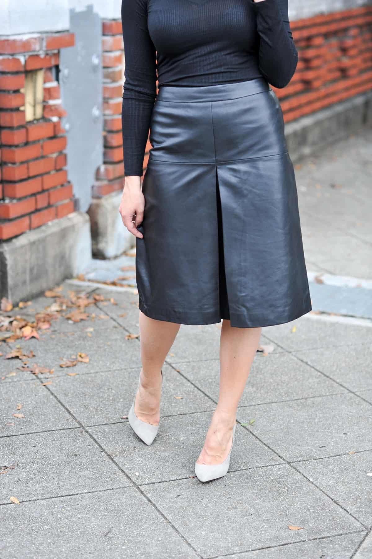 Leather A-Line midi skirt, all black outfit ideas via @mystylevita