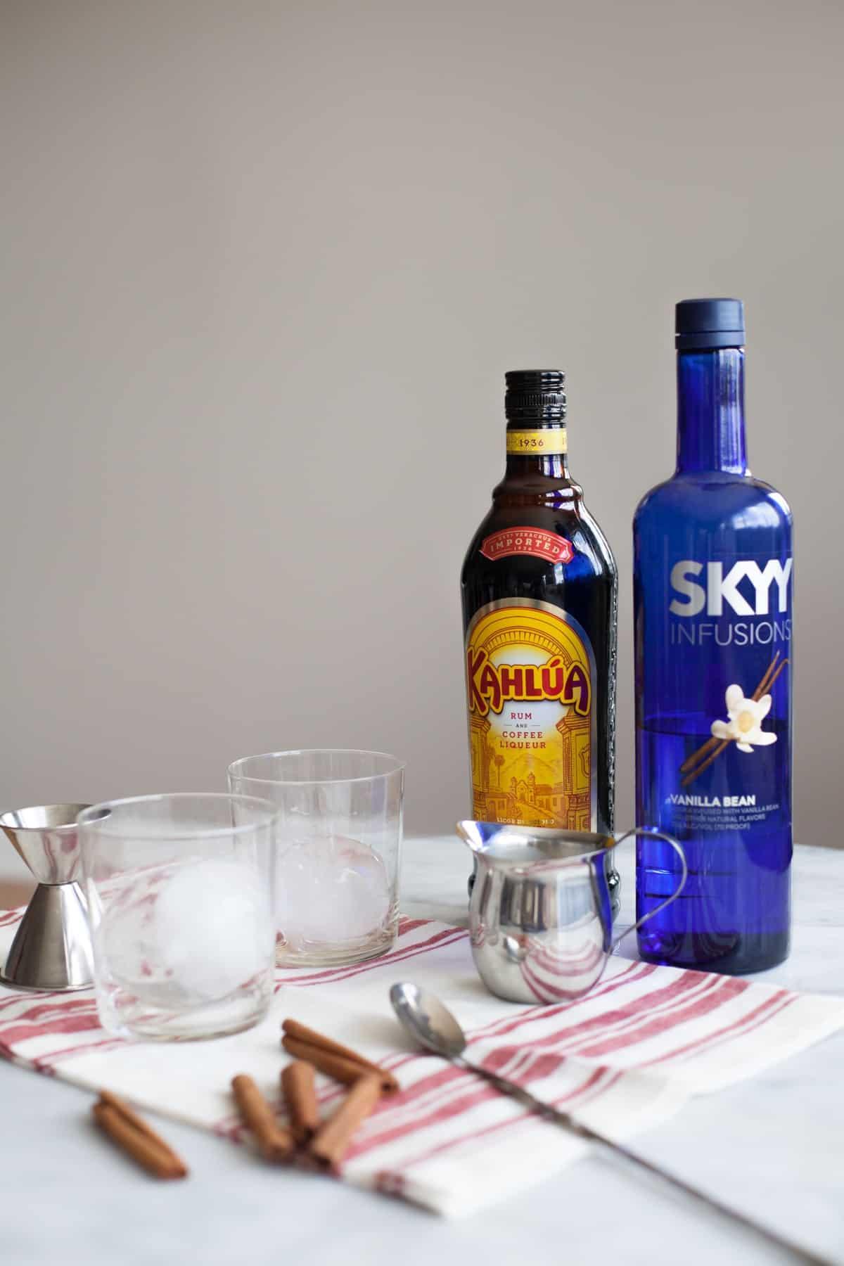 Classic White Russian Cocktail Recipe via @mystylevita