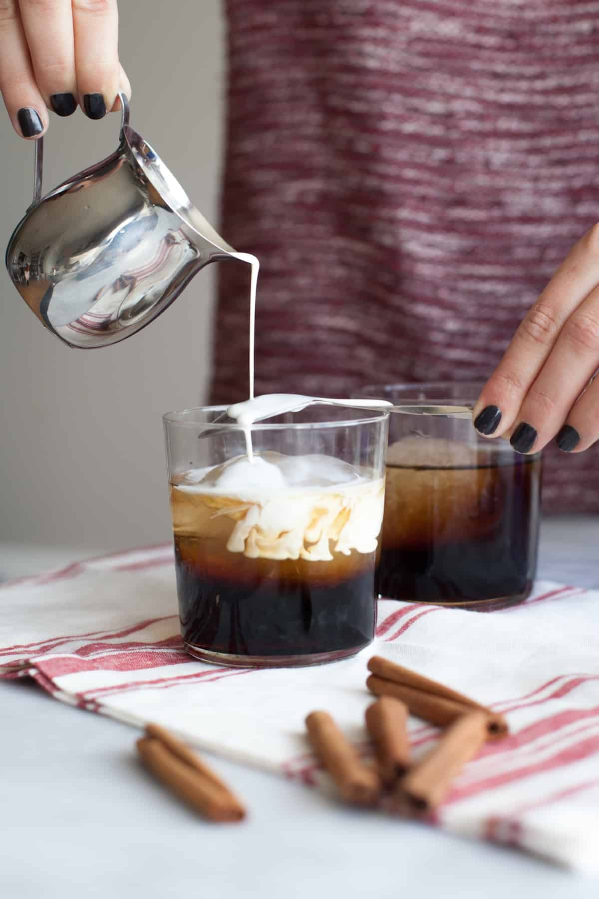 Classic White Russian Cocktail Recipe via @mystylevita - 8