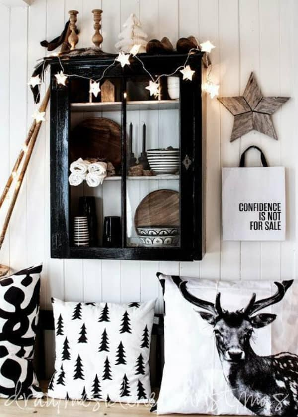 black and white christmas decor ideas, decorating with black for christmas - My Style Vita @mystylevita