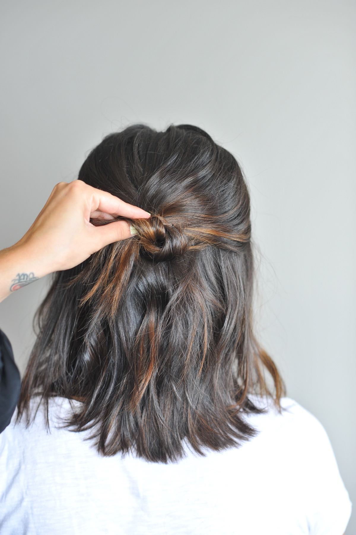 twisted up do hairstyle on short hair - @mystylevita - 2