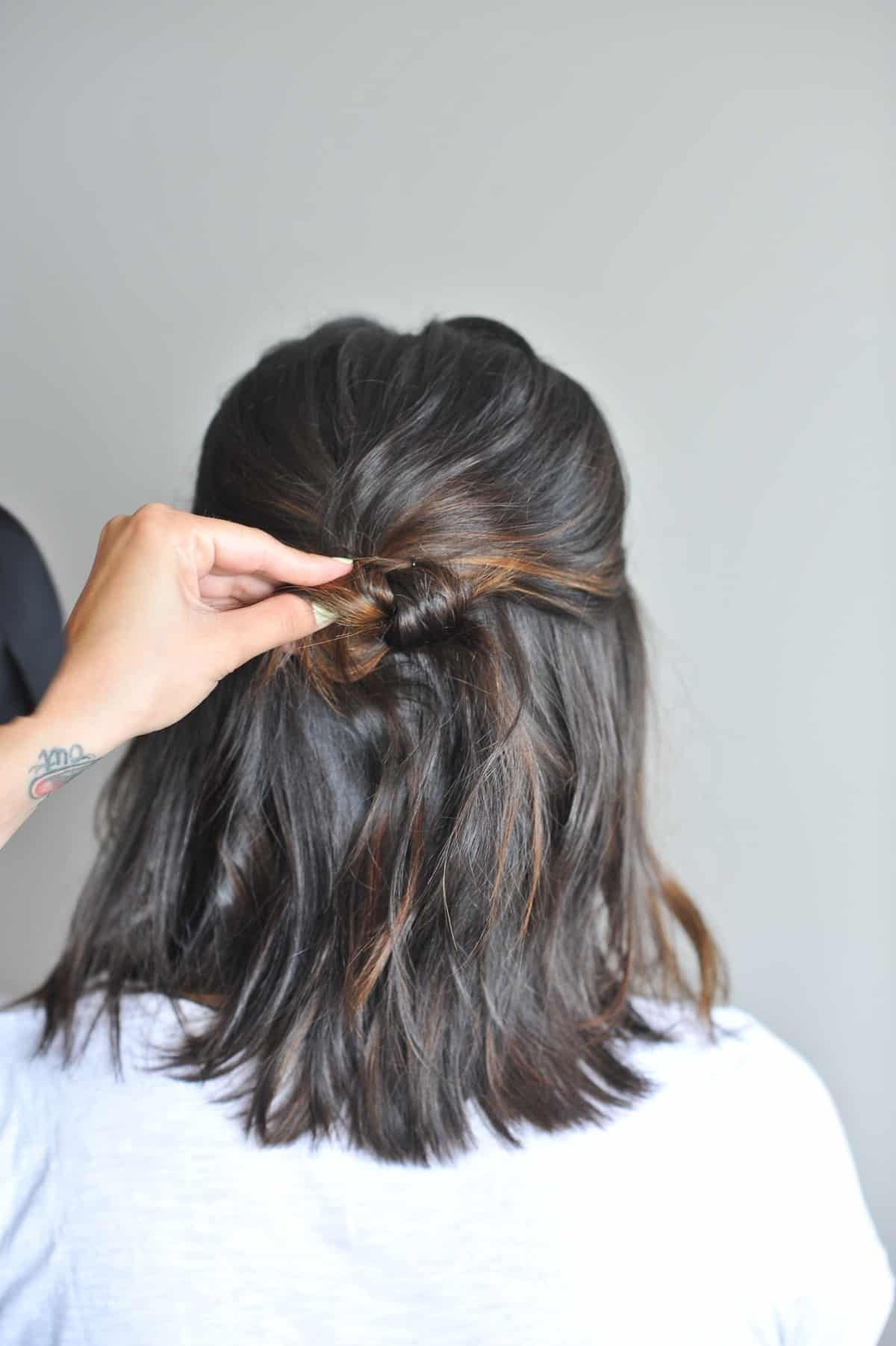 twisted up do hairstyle on short hair - @mystylevita - 3