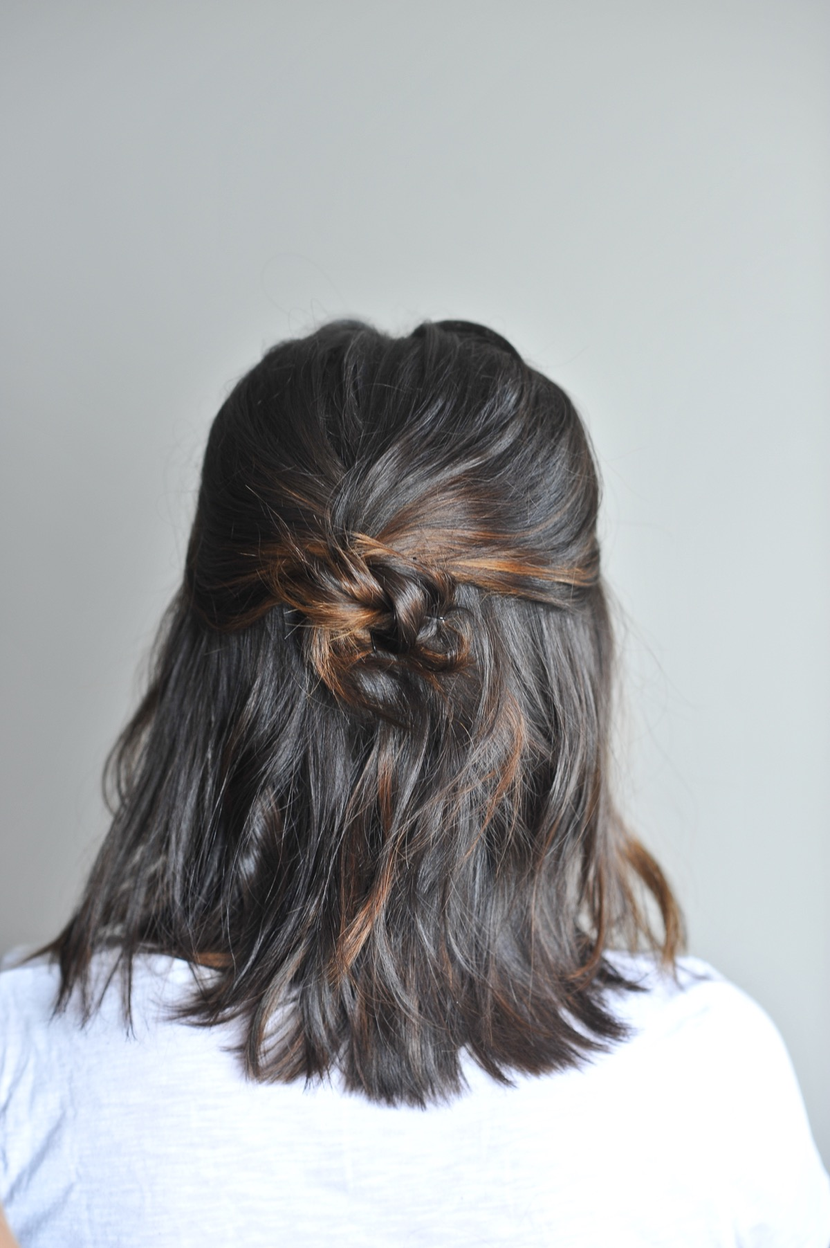 twisted up do hairstyle on short hair - @mystylevita - 4