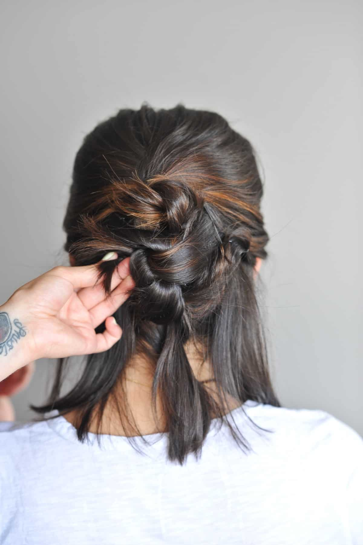 twisted up do hairstyle on short hair - @mystylevita - 9