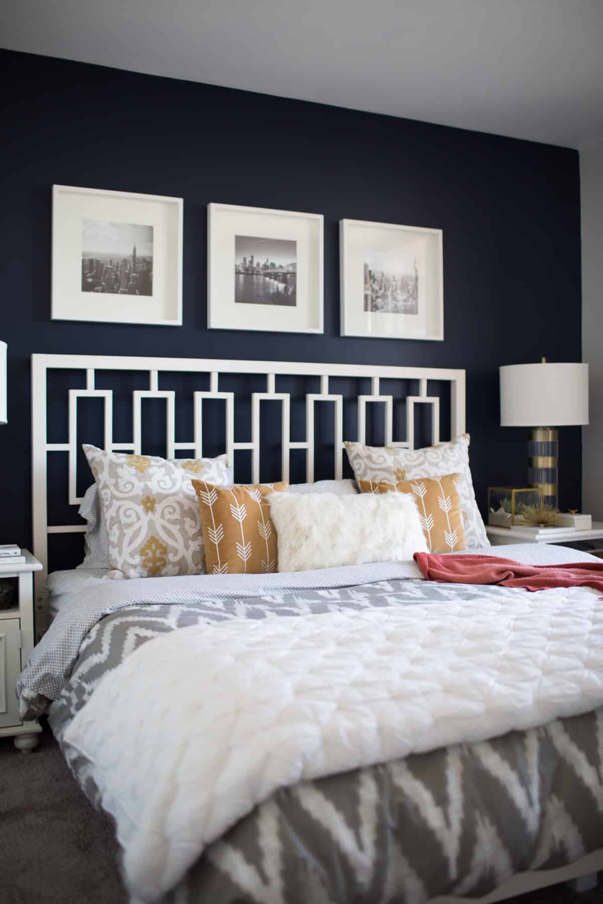 The best navy bedroom wall idea for Bedroom ideas velvet bed