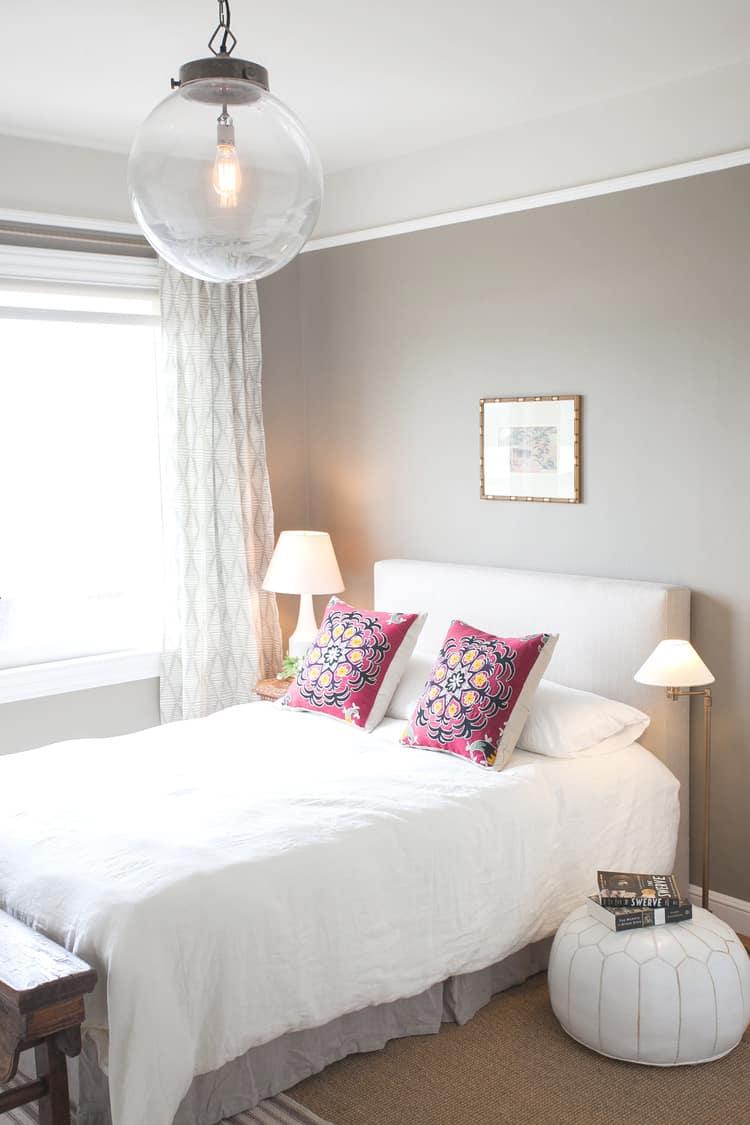 Bedroom Bedside Table: 4 Bedside Table Alternatives For The Bedroom