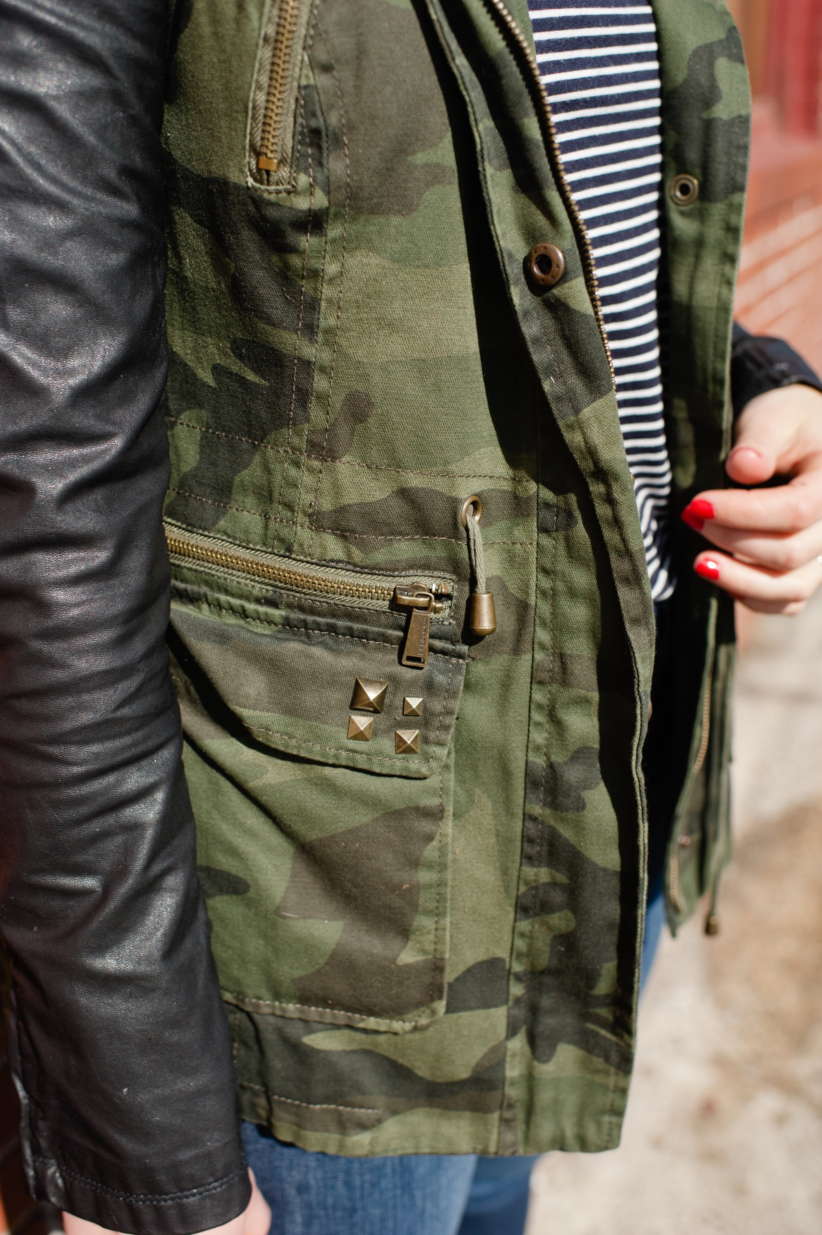camo jacket and boots outfit ideas - @mystylevita