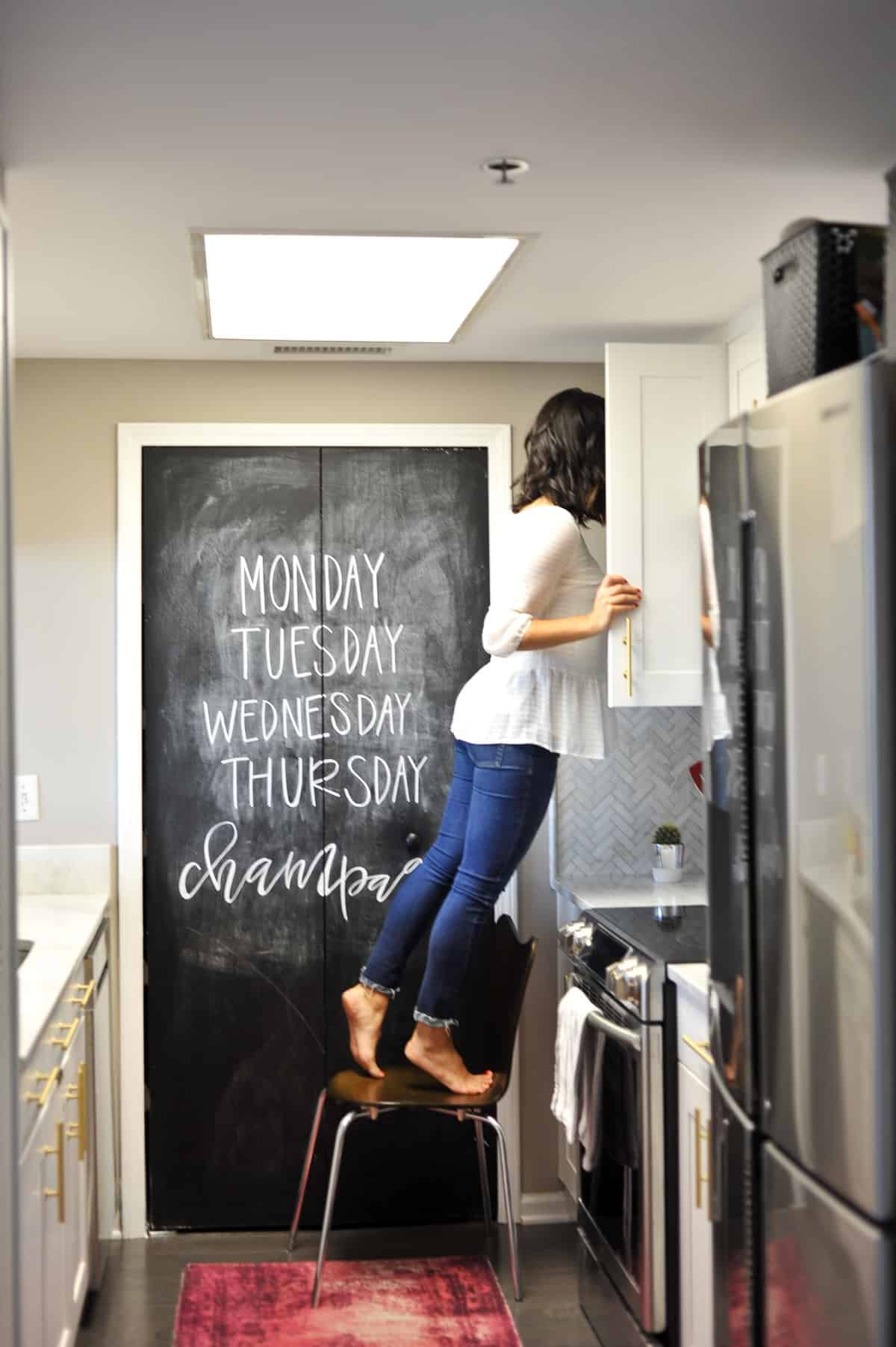 White kitchen ideas, white and brass kitchen, kitchen inspiration - My Style Vita - @mystylevita - 16