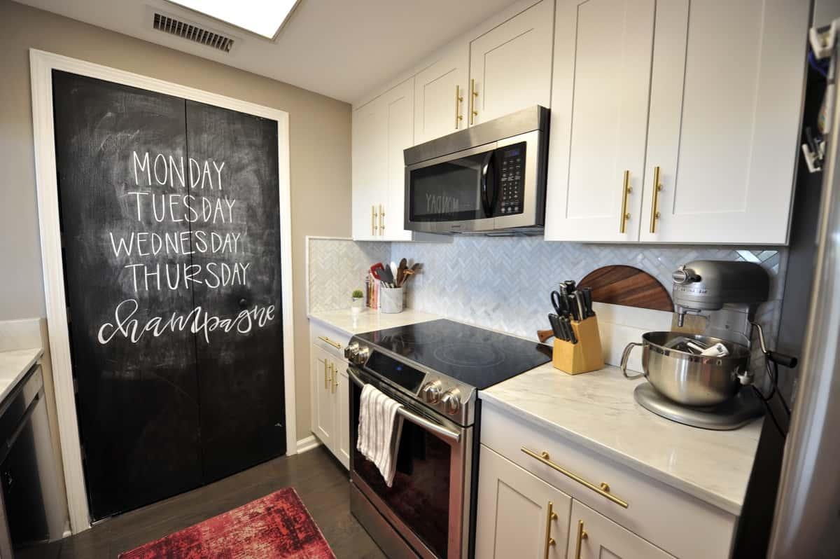 all white and brass kitchen, white kitchen ideas, marble in the kitchen - My Style Vita @mystylevita - 16