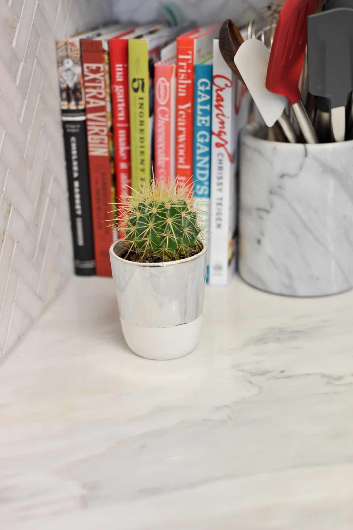 all white and brass kitchen, white kitchen ideas, marble in the kitchen - My Style Vita @mystylevita - 5