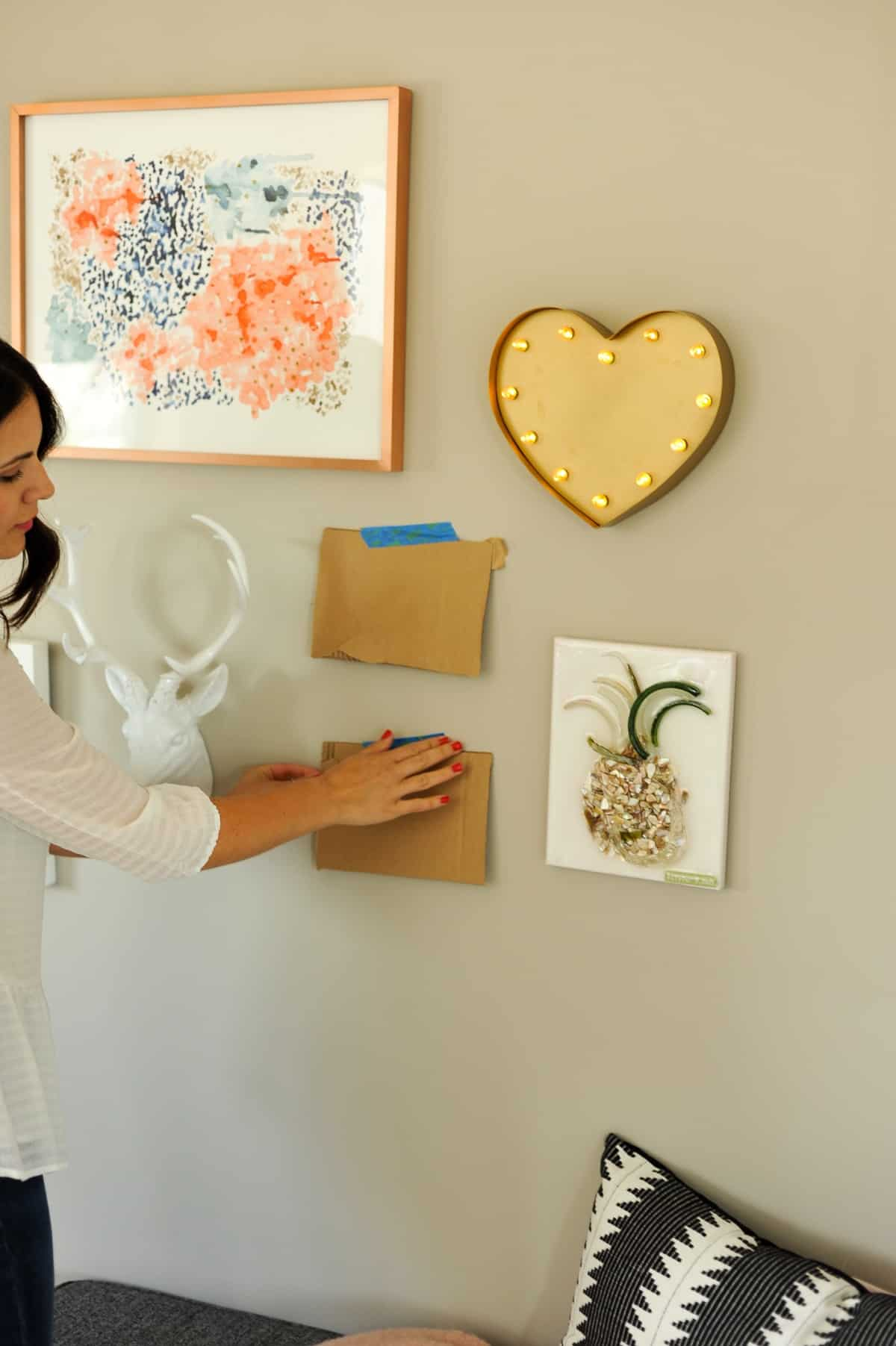 How to hang a gallery wall properly, tips to creating a gallery wall - My Style Vita - @mystylevita - 5