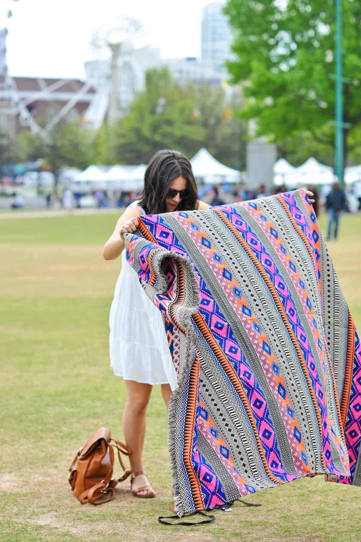 picnic blanket ideas, essentials for a summer picnic - My Style Vita @mystylevita