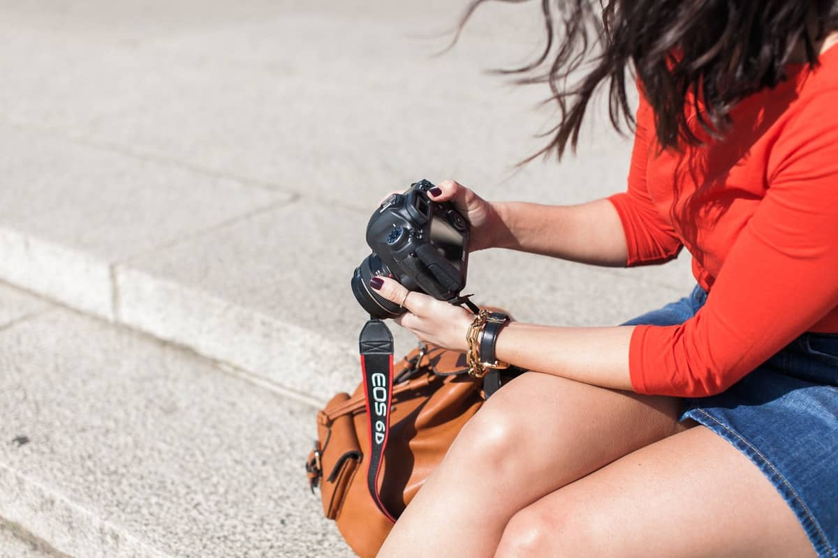 travel outfit ideas - how to travel while still looking cute - My Style Vita @mystylevita