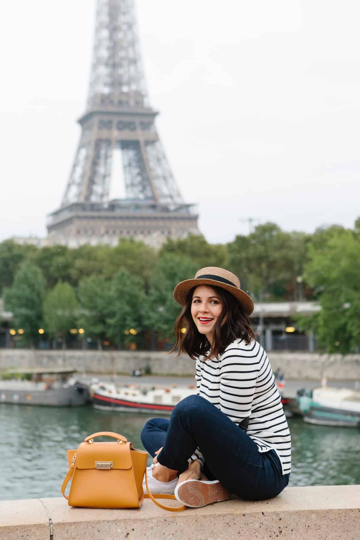 Anastasia-Eiffel Tower photo ideas, outfit ideas for Paris - My Style Vita @mystylevita Guendel
