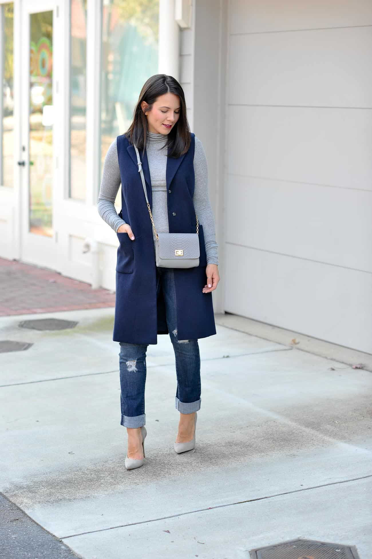 Sleeveless trench coat, fall casual outfit ideas - My Style Vita @mystylevita