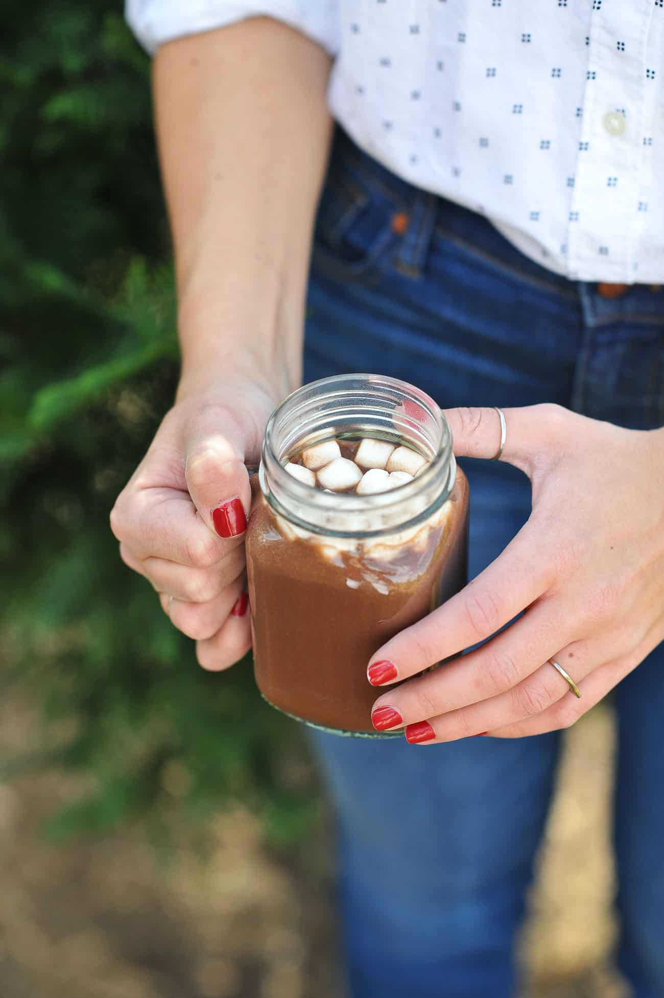 Christmas tree farm, winter picnic, fall photo ideas, Hot chocolate - My Style Vita @mystylevita