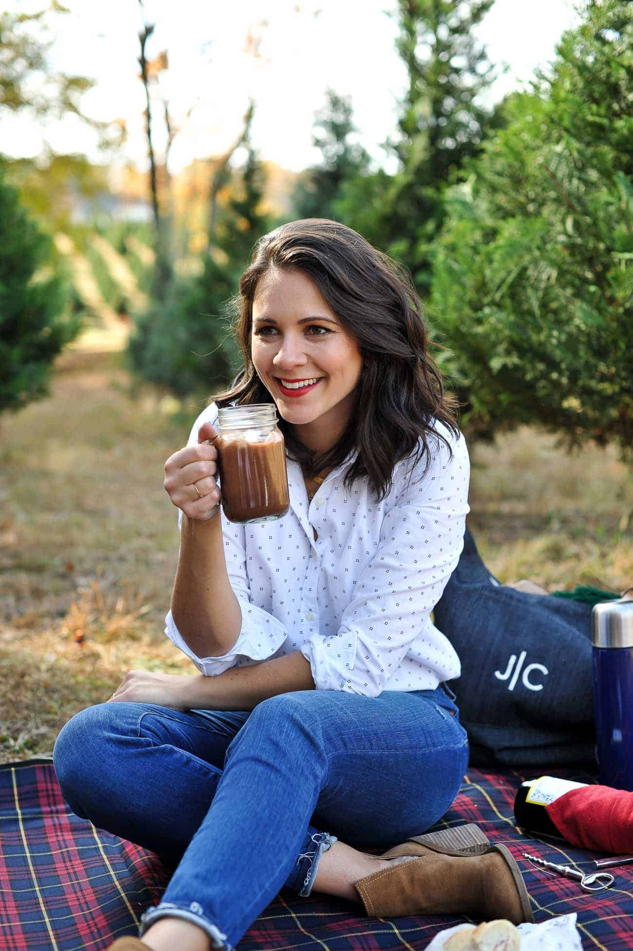 Christmas tree farm, winter picnic, fall photo ideas, hot chocolate, picnics - My Style Vita @mystylevita