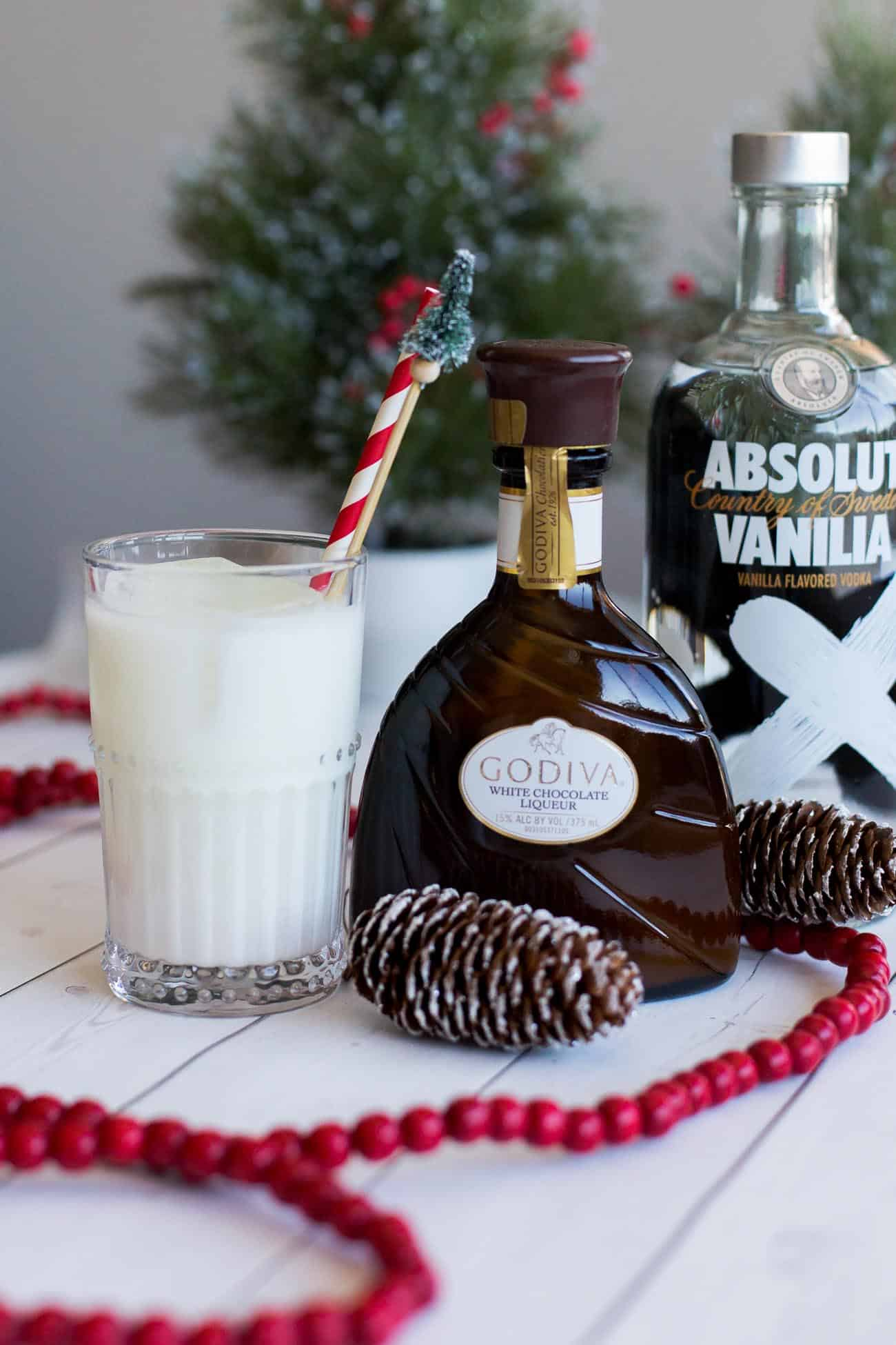 holiday cocktails, easy holiday cocktails, white chocolate cocktail - My Style Vita @mystylevita