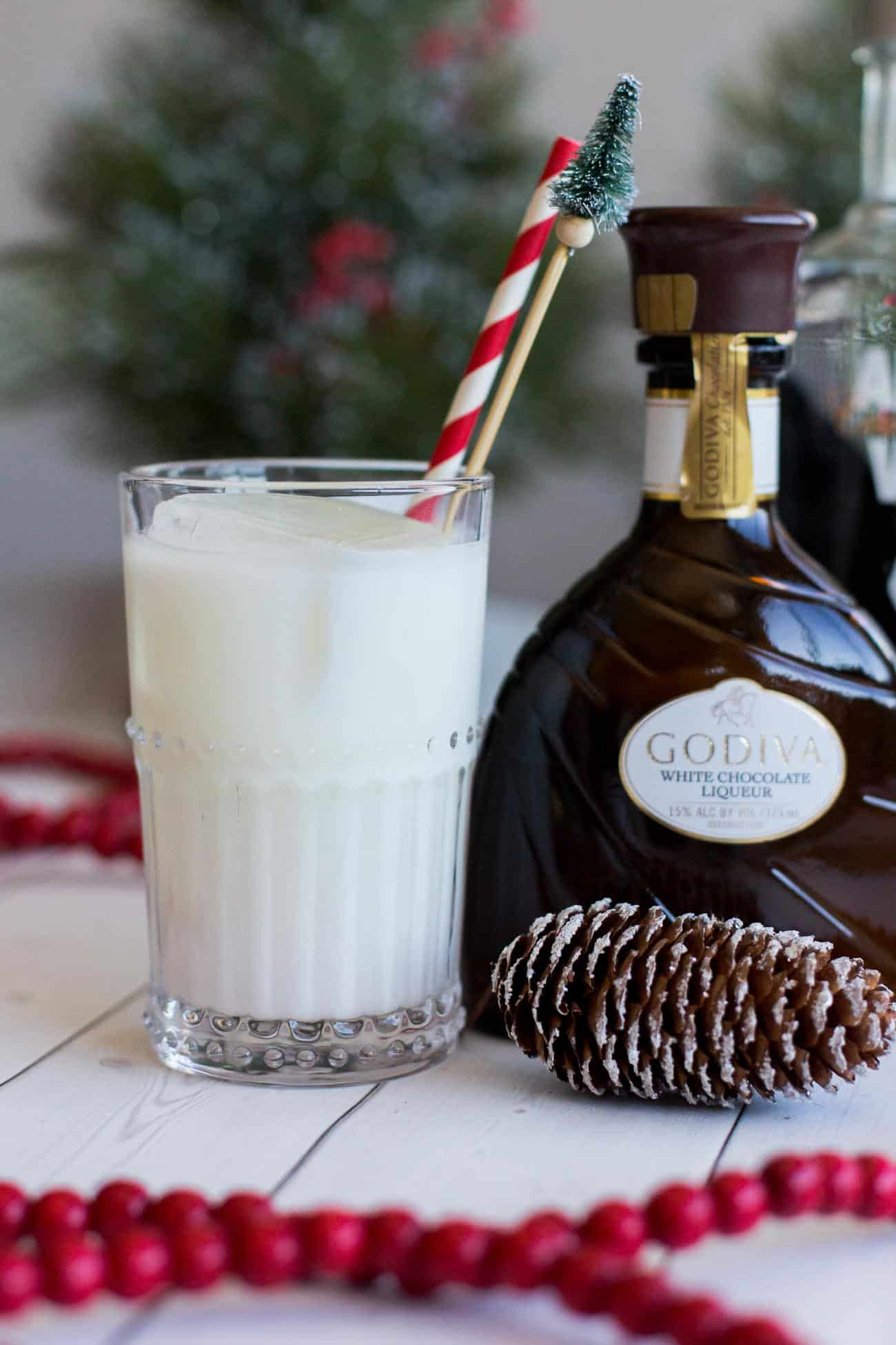 holiday cocktails, easy cocktails to make for the holidays, white chocolate cocktail - My Style Vita @mystylevita