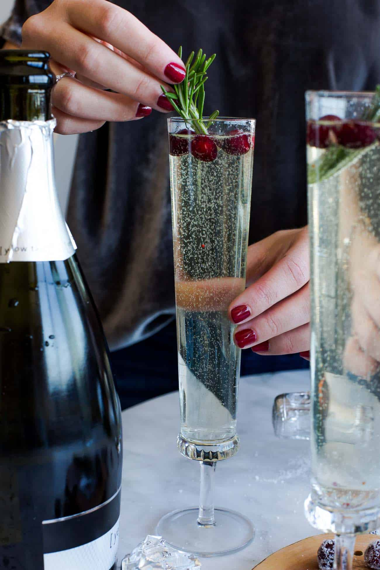 New Years Eve cocktail, champagne cocktail ideas, cranberry cocktails - My Style Vita @mystylevita