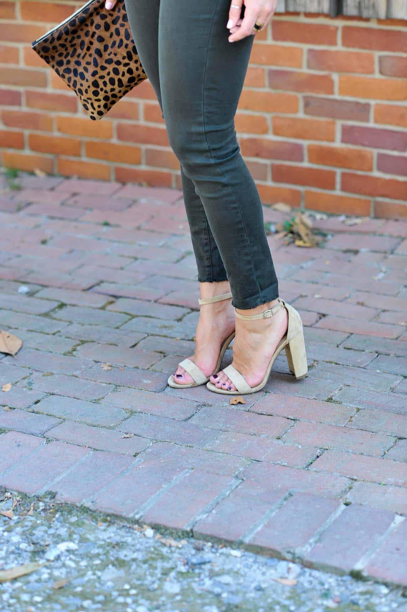 fall outfit ideas, flutter sleeve tops - My Style Vita @mystylevita
