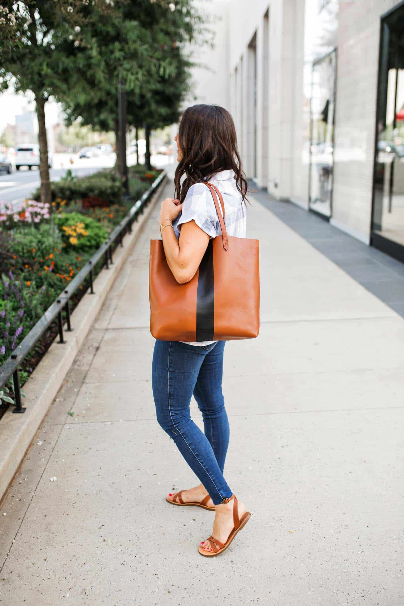 Jessica Camerata reviews the Madewell Transport Tote