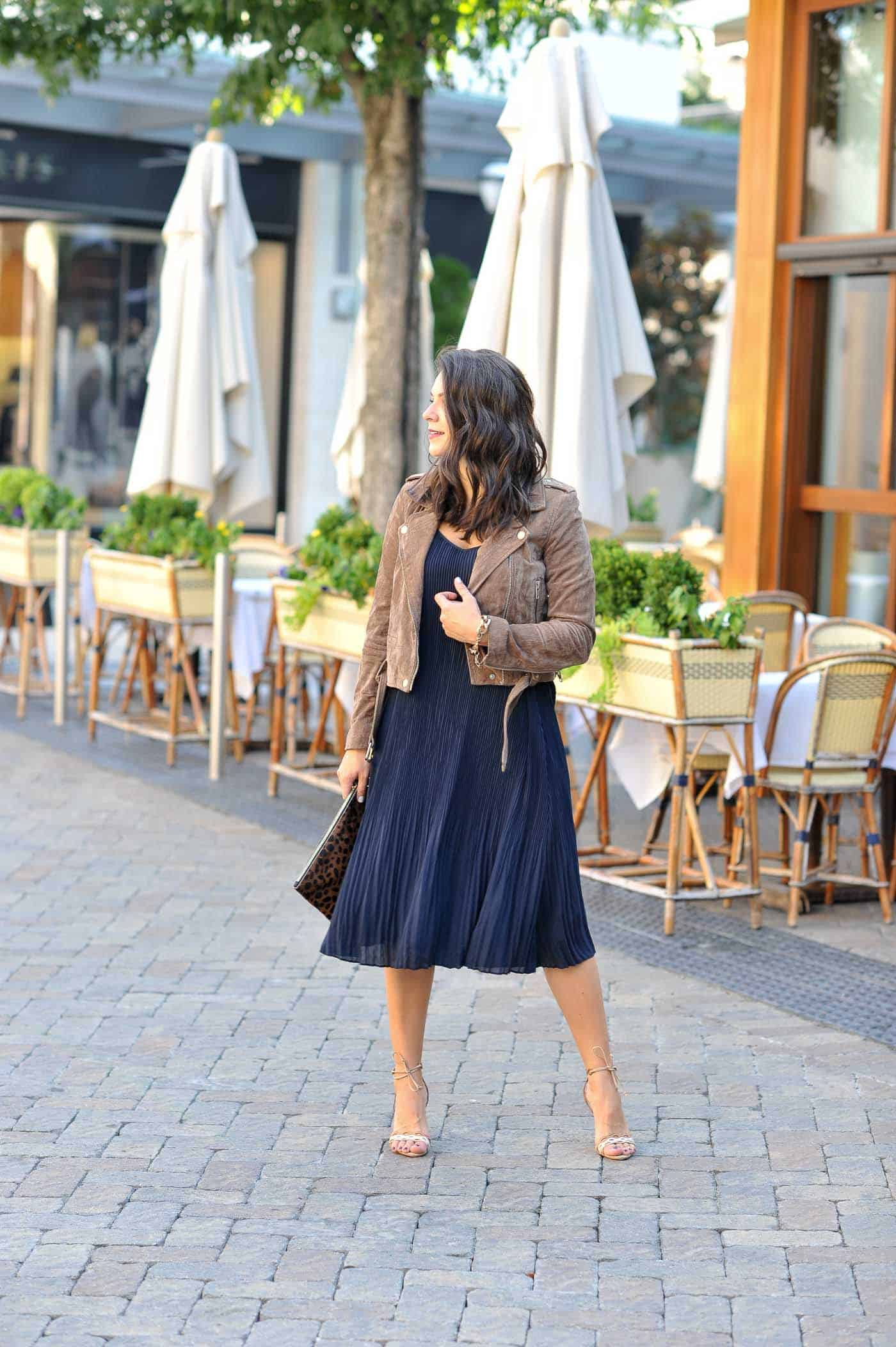 Navy outfit ideas, midi dress outfit, fall outfits - My Style Vita @mystylevita