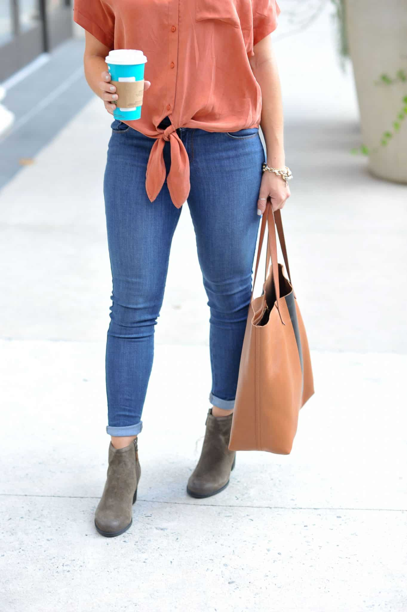 casual fall outfit ideas, fall fashion, comfortable boots - My Style Vita @mystylevita