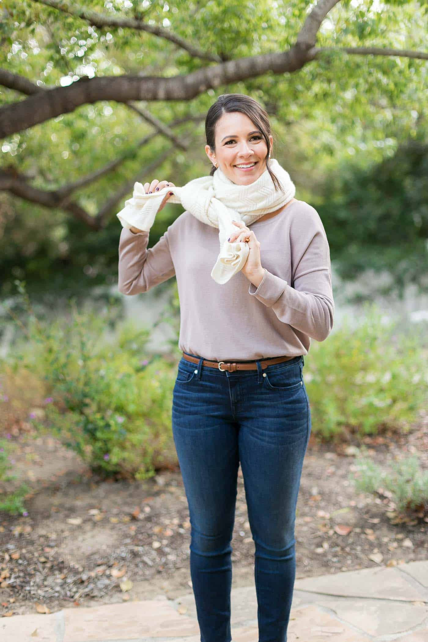 4 ways to tie a scarf, how to wear a blanket scarf, fall outfits - My Style Vita @mystylevita
