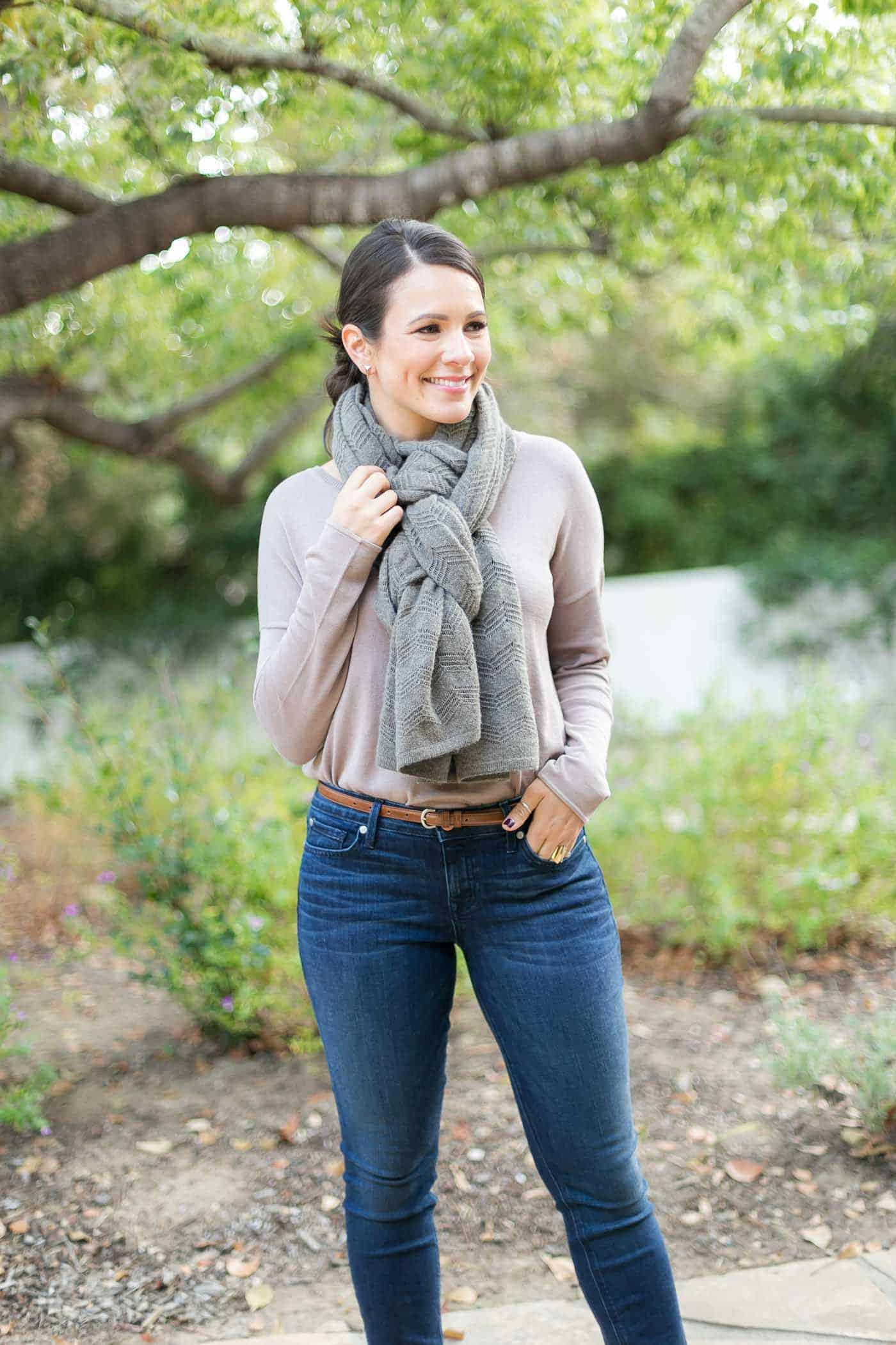 unique ways to tie a scarf, 4 ways to tie a scarf, how to wear a blanket scarf, fall outfits - My Style Vita @mystylevita