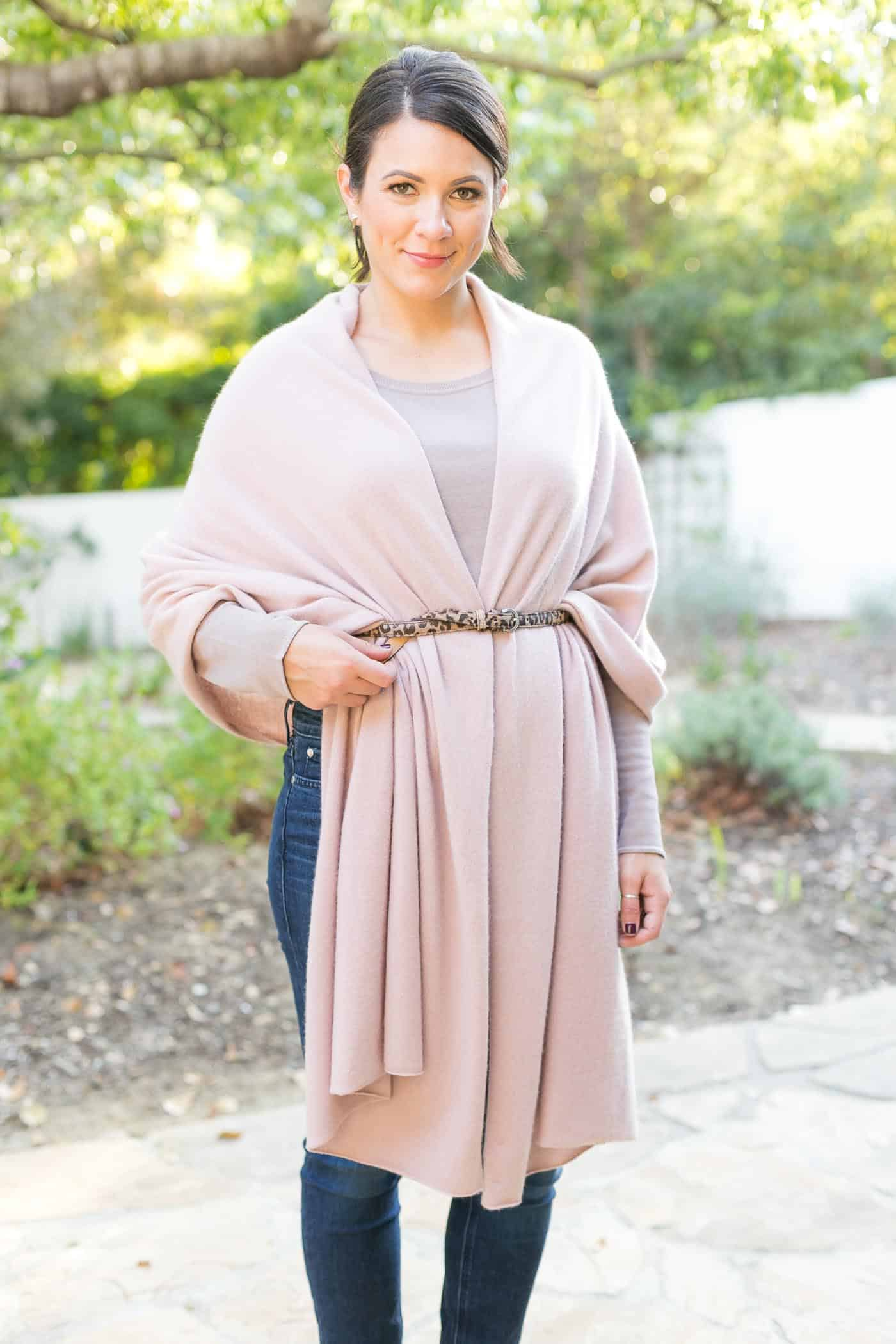 4 ways to tie a scarf, how to wear a blanket scarf, how to wear a pashmina wrap - My Style Vita @mystylevita